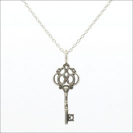 ILIOST Key #di Necklace