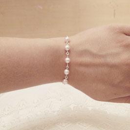 Armband versilbert zartes Perlenspiel WUNSCHFARBE