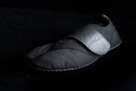 Black Toe-Bi