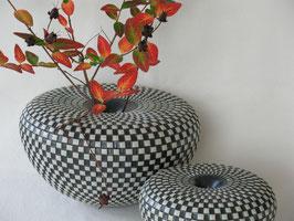 Ballonvase schwarz-weiß – Einzelstücke