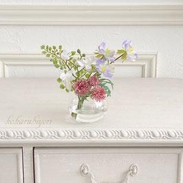 商品名  お供え花  野の花をグラスに活けて