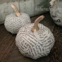 商品名 秋の森のパンプキン(英字新聞柄)