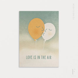 FACE IT // Love is in the air