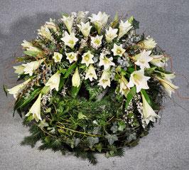 Trauerkranz, klassisch mit Lilien (#0227)
