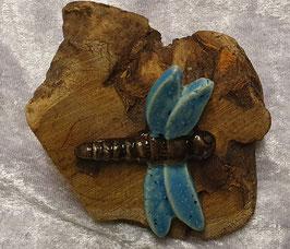 Holz mit Libelle