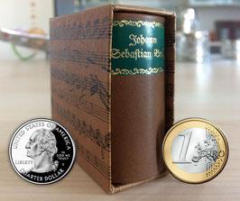 Johann Sebastian Bach - Die kleine Bach-Mini-Biografie im Schuber im Ledereinband + 2 kostenlose Bach-Zugaben *