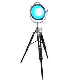 Chrom Lampe auf Videostative