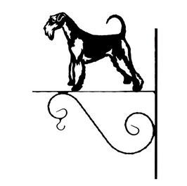 Art:Nr:III-7 Blumenampel Airedale terrier