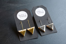 Ohrhänger Dreiecke mit metallischen Akzenten