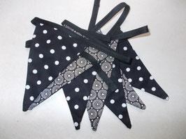 Wimpelkette schwarz-weiß