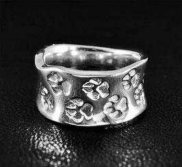 Ring mit umlaufenden Pfötchen : GMH-309s