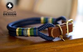 Verstellbares Halsband in Marine