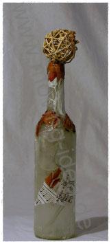 Dekoflasche weiss mit Rosenblättern
