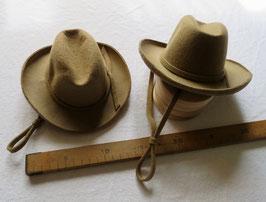 2210 Chapeau de Tom