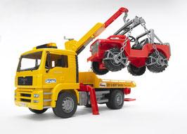 MAN TGA Abschlepp-LKW mit Geländewagen