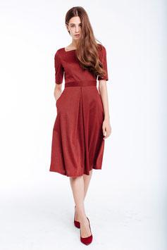 Tailliertes Kleid, rot
