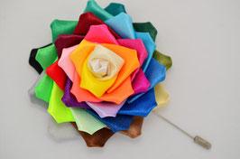 BoutonnièreRainbow Rose