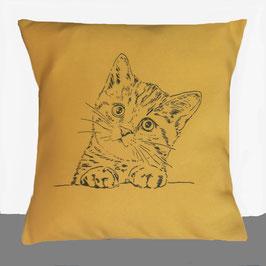 Kissenhülle: Schwarze Katze auf orangem Stoff, Rückseite: Florales Muster, Alcantara Imitat (hochwertiges Velourslederimitat)