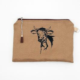 Kuh auf mittelbraunem Stoff, Alcantara Imitat (hochwertiges Velourslederimitat)