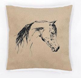 Kissenhülle: Schwarzes Pferd  auf hellbeigem Stoff, Rückseite:  Braun/weiß kariert, Alcantara Imitat (hochwertiges Velourslederimitat)