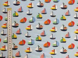 Jerseystoff mit Segelbooten