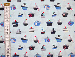 Kinderstoff mit bunten Schiffen