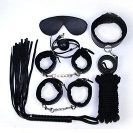 FETISH ART Kit Bondage in Ecopelle Nera Set Manette Corda benda Collare Frusta e Bavaglio |00904345|