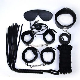 FETISH ART Kit Bondage in Ecopelle Set Manette Corda benda Collare Frusta e Bavaglio |00904345|