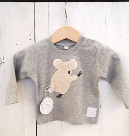 Wunderschöns T-Shirt, 100% organic Baumwolle incl. Motiv & Namen.