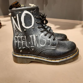 DR MARTENS CUSTOMIZZATE NO FEELING