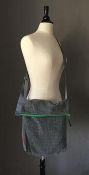 Schultertasche | Klappe | Möbel-Leinen | grau | grün