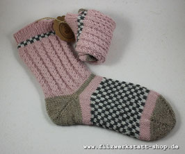 """Herzchenrippen""-Socke   Größe 36-38"