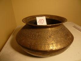 Nr. 10 Topf geschwungen, verziert, Messing 16 x 26 cm