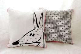 Coussin Noir & Blanc avec illustration originale loup
