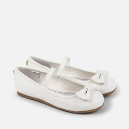 43759-093 Zapatos de niña bailarinas con lazo cinta elástica mayoral