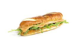 Laugensandwich lang mit Lachs