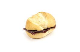 Semmelli-Sandwich mit Bündnerfleisch