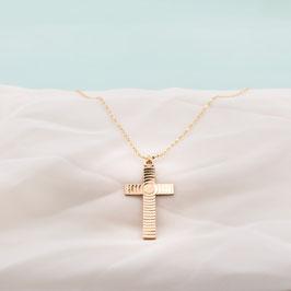 Médaille dorée croix ciselée