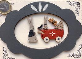 """Carte postale """" Cadre bleu Jojo et son landau rouge"""""""