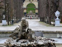 Schönbrunner Schlossgarten: Ehrenhof, Figurenprogramm und verborgene Kleinode