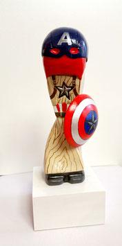 "Skulptur ""Avenger"", Gipsguss, handbemalt"