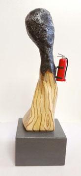 "Skulptur ""Abgebrannt"", Gipsguss, handbemalt"