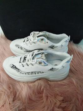 KIm Kard. Sneakers