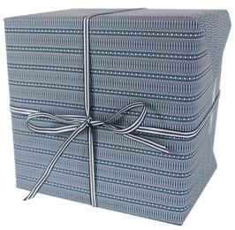 Geschenkpapier weisse X-Schleifen und Pünktchen, blau (3 Bogen)