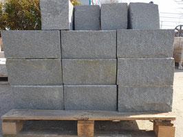 Mauerstein Granit dunkel, 40 x 20x 20 cm, Stück