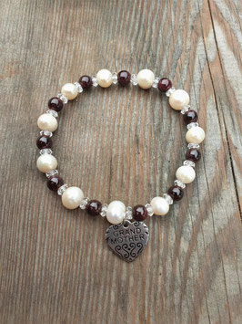 LOVE IS THE WAY Armband Perle Granat mit Anhänger GRANDMOTHER
