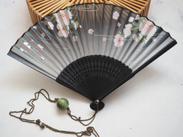 HAND FAN NECKLACE - GREEN VINTAGE BEAD