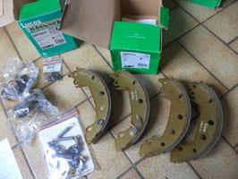 n°gd573 kit frein renault r12 r14 r15 r17 bk1003 lucas