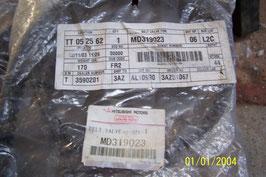009 courroie de distribution MD 319023