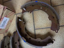 n°sa138 jeu garniture frein toyota picnic 0449544020